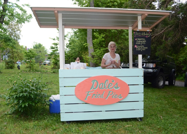 Another treat was Dale's Fried Pies. Dale sets up her little stand and fries fresh pies.